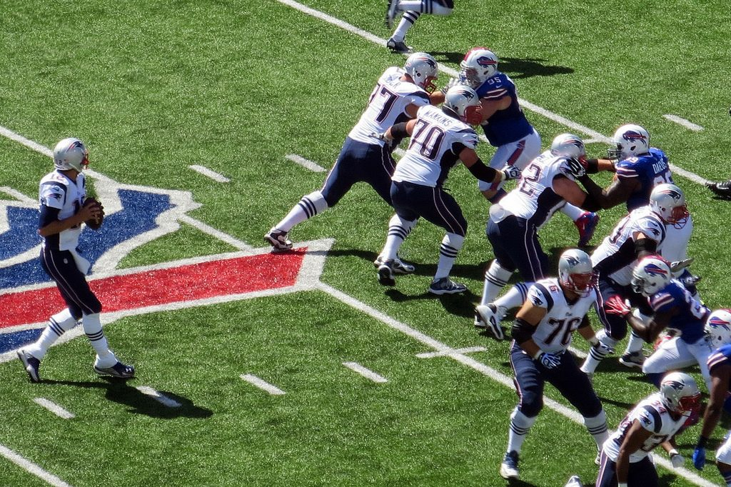 Patriots Quarterback Tom Brady with good protection, which you can enjoy as well by employing sinking funds.